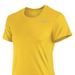 Nike Women's Legend Short Sleeve Training Shirt